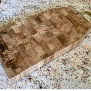 Anthropologie Oak Wood Cutting handle Cheese Board